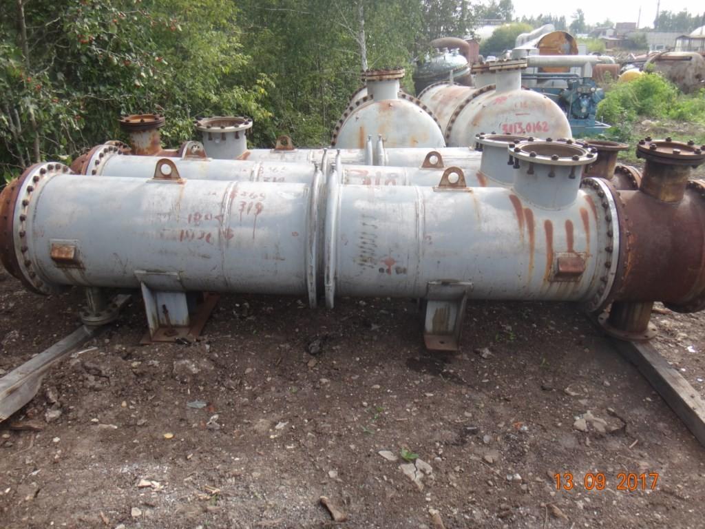 Конденсатор 600 ККГ-0,6-1,0-М10-0/25Г-3-2 F = 56 м.кв.