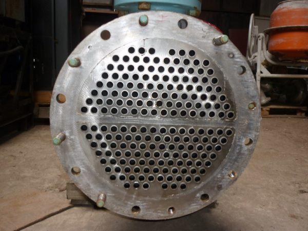 Теплообменник кожухотрбчатый двухходовой F = 27 м.кв.