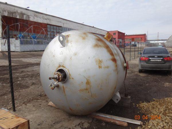 Химический реактор (аппарат с перемешивающим устройством) объём 3,2 м.куб.