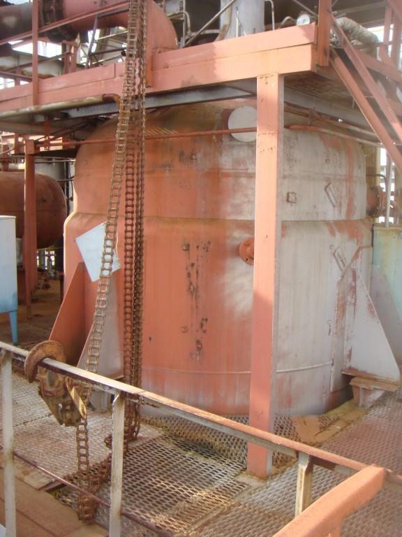 Химический реактор (аппарат с перемешивающим устройством) объёмом 25 м.куб