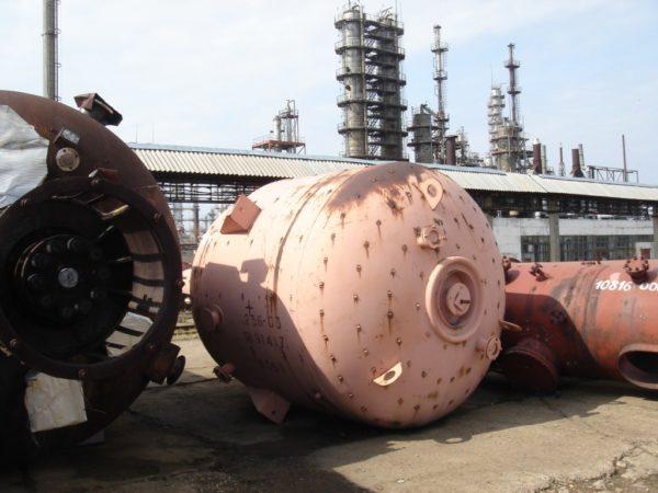 Химический реактор сталь-эмаль объём 10 м.куб.